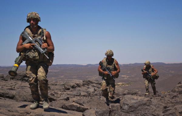 34000 postes seront supprimé à la Défense d'ici 2019 ! dans Economie defense-soldats-francais-34000-postes-supprimes-avant-2019