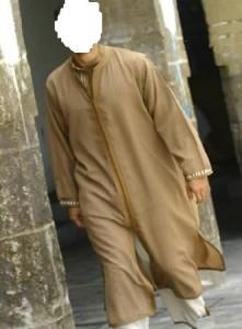 Un voleur en djellaba interpellé dans la mosquée de Val-de-Reuil dans Campagnes caftan-pour-homme895598-m-221x300